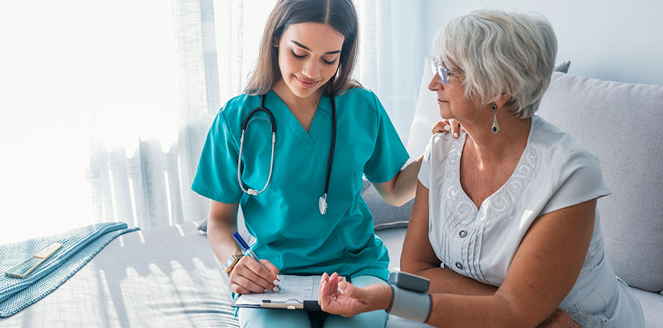 What to Expect From a Medical Assistant Program in Orlando