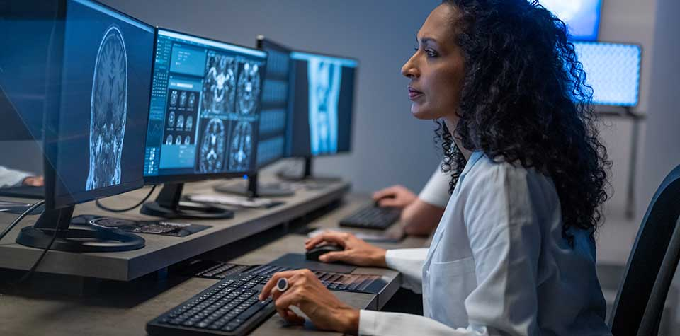 What's the Difference Between a Radiologist vs Sonographer?